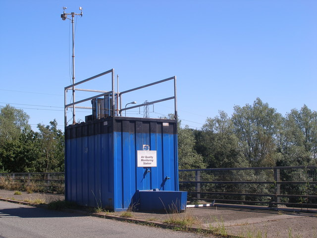 An Air Quality Monitoring Station above the M42