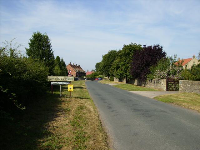 Entering the village of Marton-le-Moor