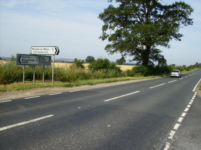 Road junction on B6265 near Marton-le-Moor