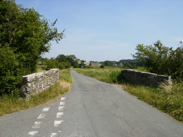 Bridge and road junction near Moss Side Farm