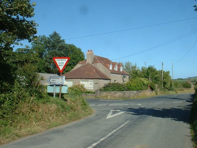 Road junction near Llangwnnadl