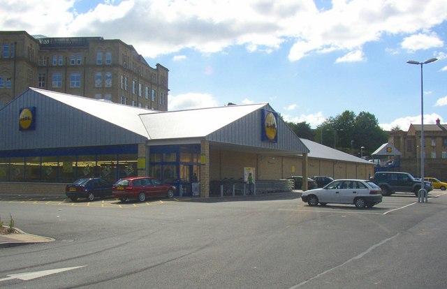 Lidl Store Bradford Road Dewsbury 169 Humphrey Bolton Cc