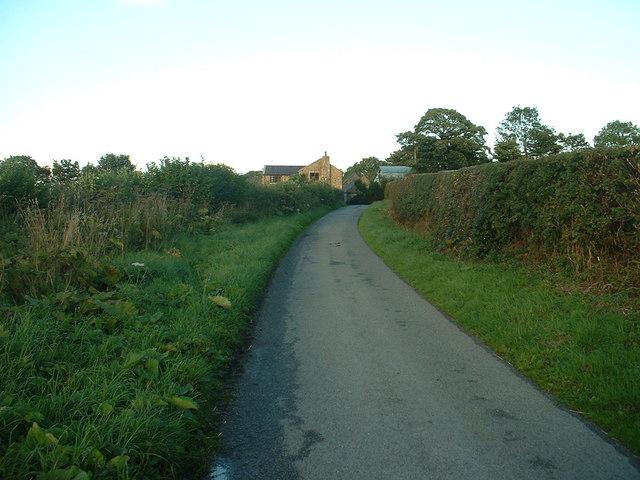 Lane to Ty'n-y-groesffordd