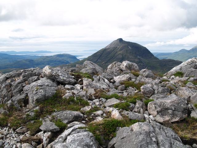 Quartzite boulder field, An Ruadh-stac