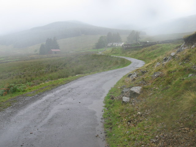 Southern Upland Way on road towards Dalgonar