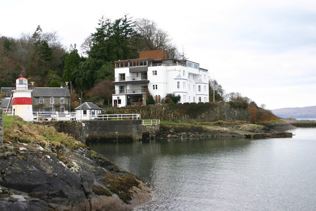 Crinan Hotel at the entrance to the canal.