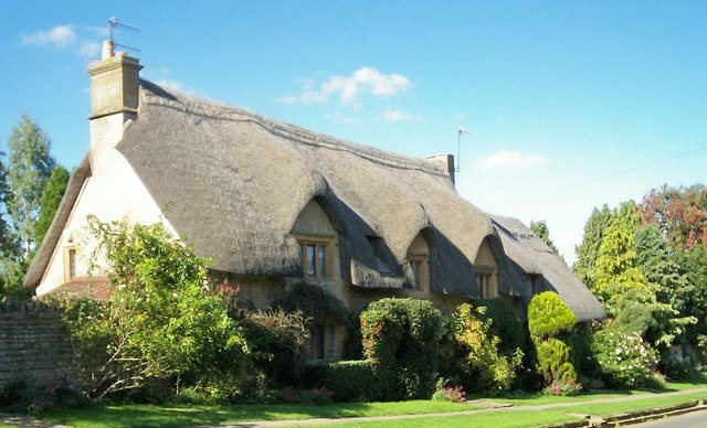 Cotswold Stone, Thatched House