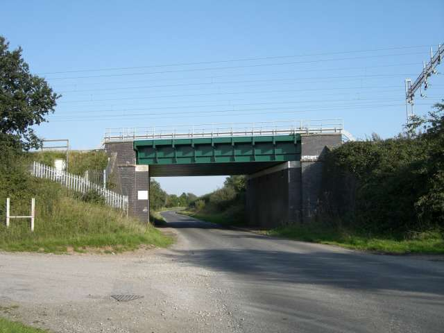 Railway bridge over Elton Lane