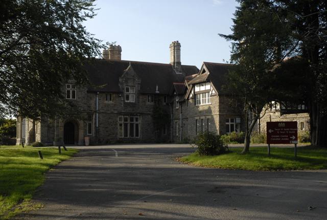 Twyn-yr-Hydd House