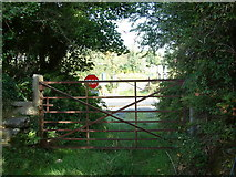 M0785 : Level Crossing near Keeloges by Steve Edge