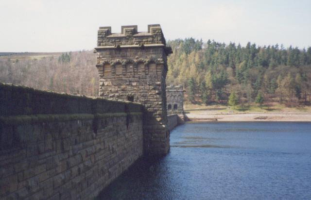 Howden Dam (reservoir side)