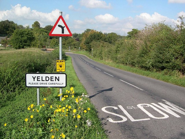 Yelden - Entering the village from the East