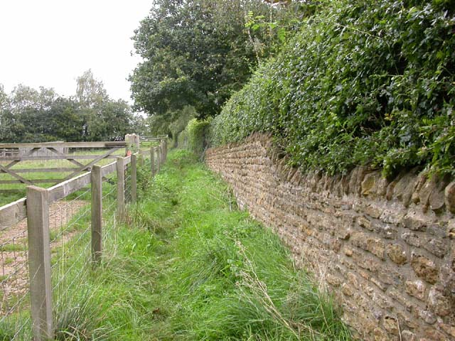 Footpath out of Pitsford