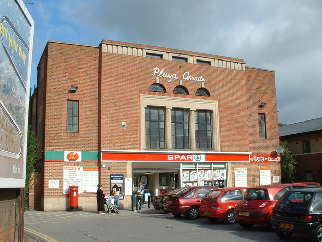 Post Office and Spar Shop in Hessle