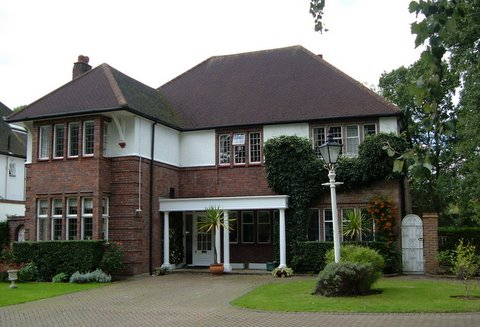 A splendid house in Rose Garden Close, Edgware