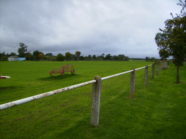 Sports ground and children's playground at Deanshanger