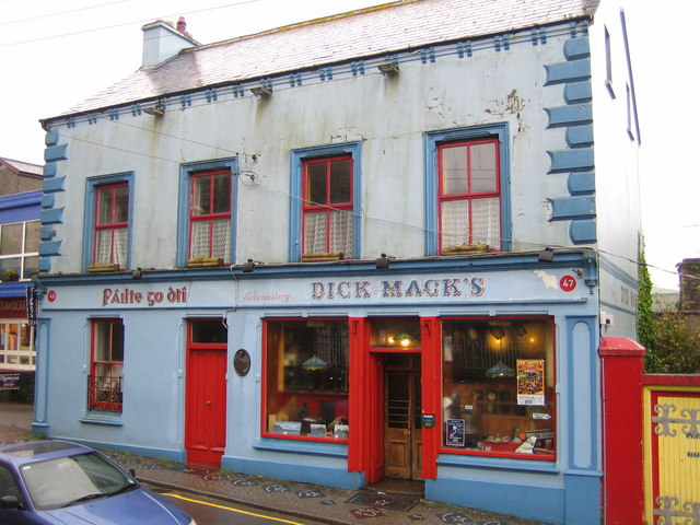 An Daingean (Dingle): Dick Mack's