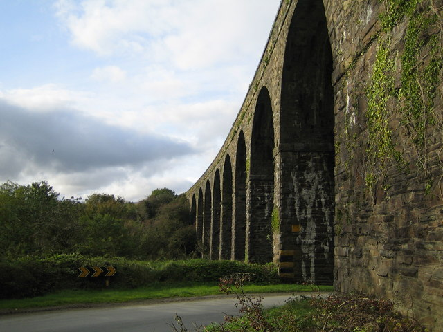 Coill Mhic Thom&aacute;is&iacute;n (Kilmacthomas): Railway viaduct