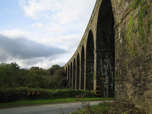 Coill Mhic Thomáisín (Kilmacthomas): Railway viaduct