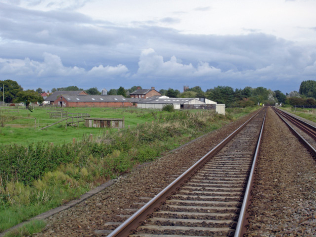 Edleston: footpath crossing on the Nantwich/Whitchurch railway