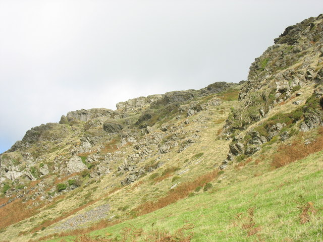 Rock outcrops above the Prenteg Road