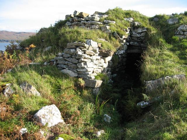 Entrance to Dun Ringill