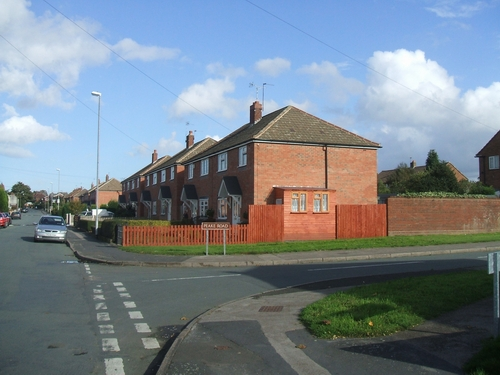 Housing on Friezland Lane, Commonside