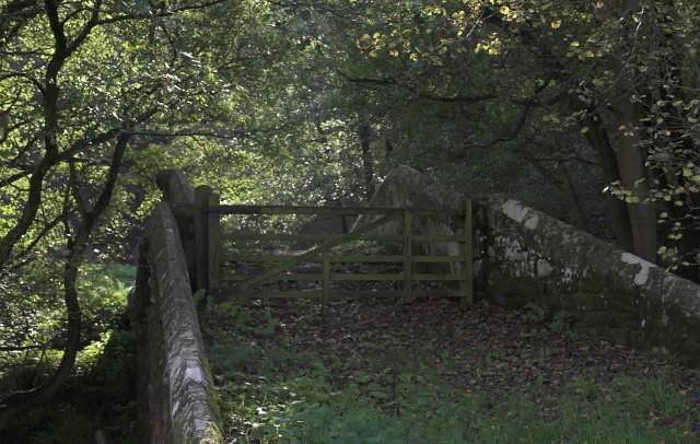 Hunters Sty Bridge with gated footpath