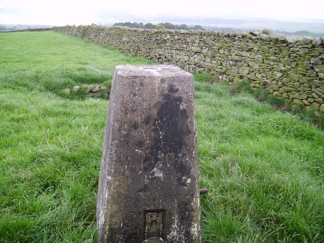 Trig Pillar near Howith Farm