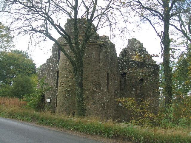 Esslemont Castle ruin