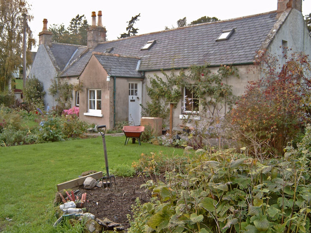 Cottage beside Dyke Parish Church
