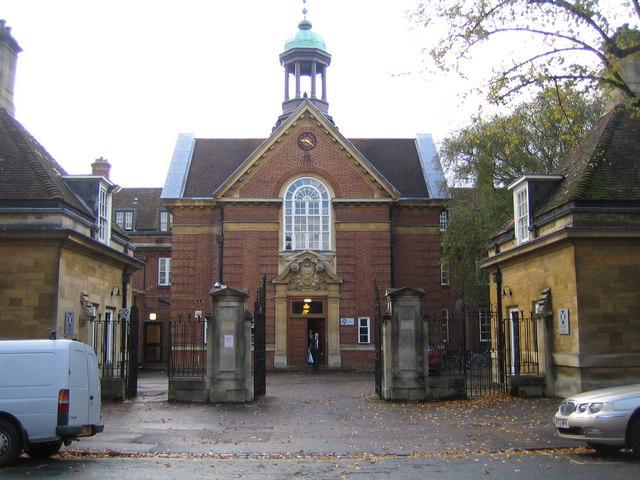 Oxford: St Hugh's College