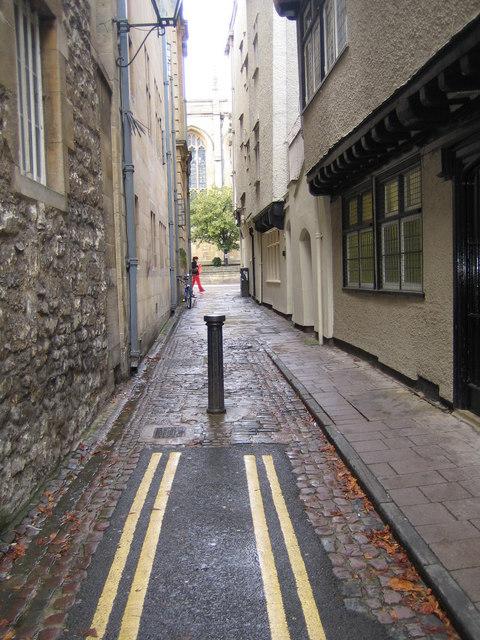 Oxford: Magpie Lane