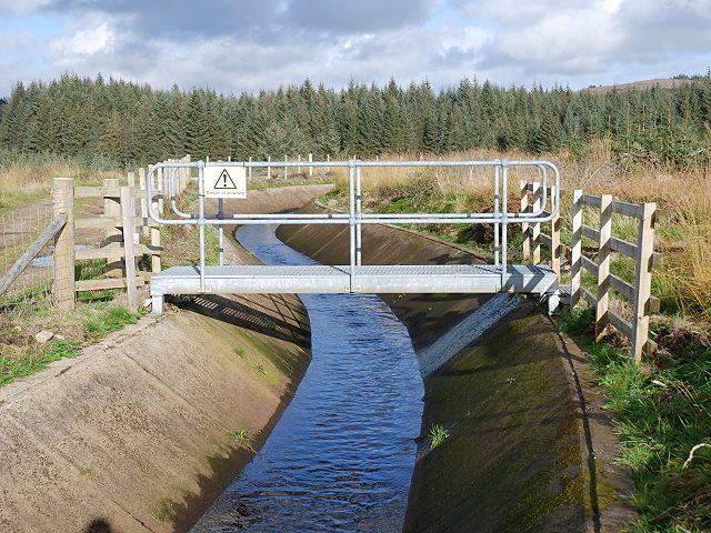 Footbridge and aqueduct