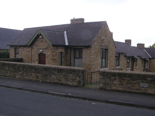 Jacob Wright Almshouse : (dated 1885)  Swan Street : Evenwood