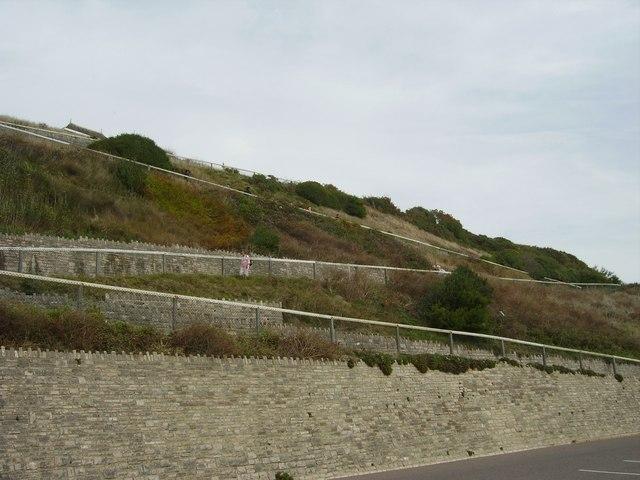 Zig-zag path, Boscombe