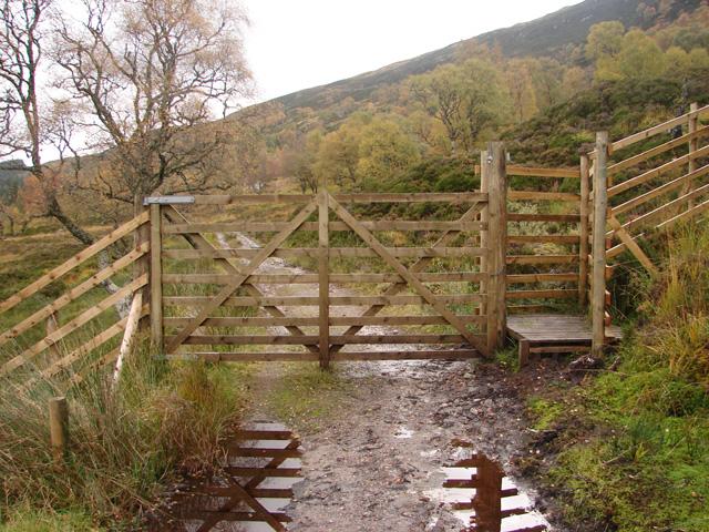 Gate and stile beside Loch Ossian