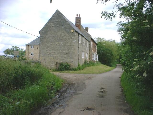Long Lane in Warmington