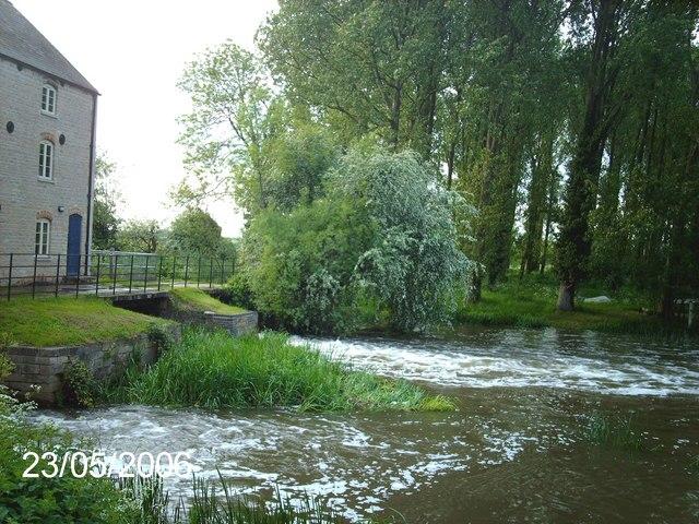Warmington Mill on the River Nene