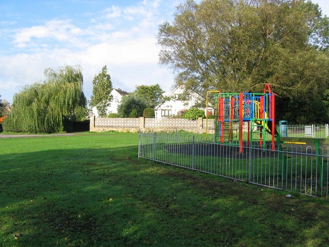 Playground and bungalows, Pilsley Green