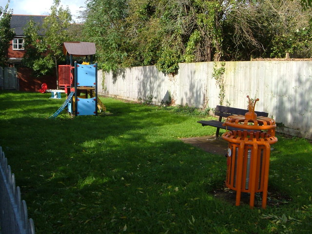 Tappers Close play area, Topsham