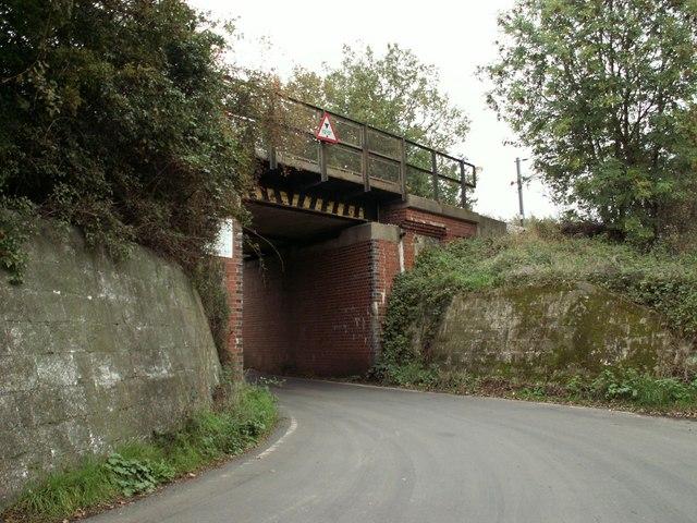 Railway bridge over North Hall Road