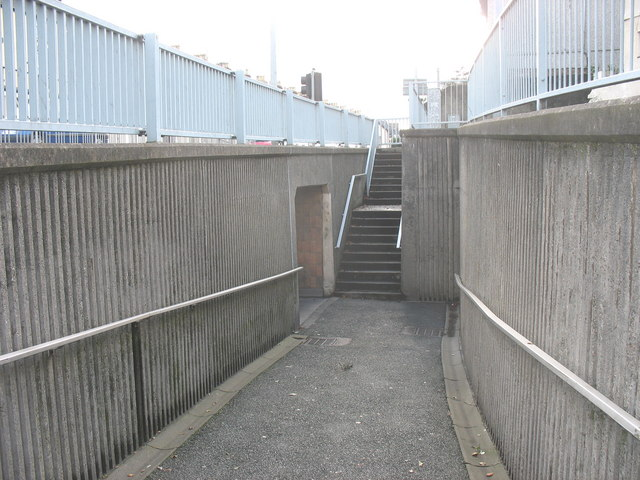 Approach to the Eagle's Underpass from Upper Pool Street