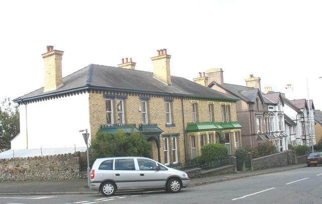 Edwardian Terrace Housing at the junction of Ffordd Cwstenin and Ffordd Segontiwm