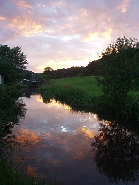 Rochdale Canal, Broadbottom, Hawksclough