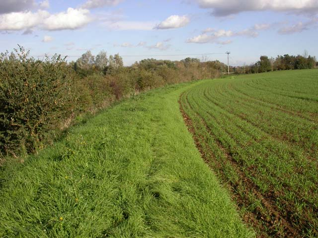 Route between Ditchford Road and Sanders Lodge