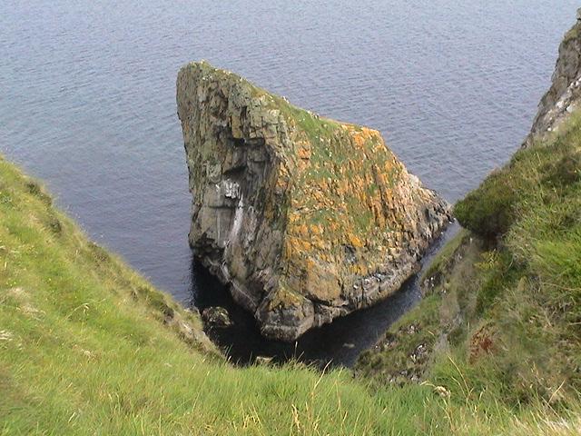 Small Island N of Sguinean nan Creagan Briste