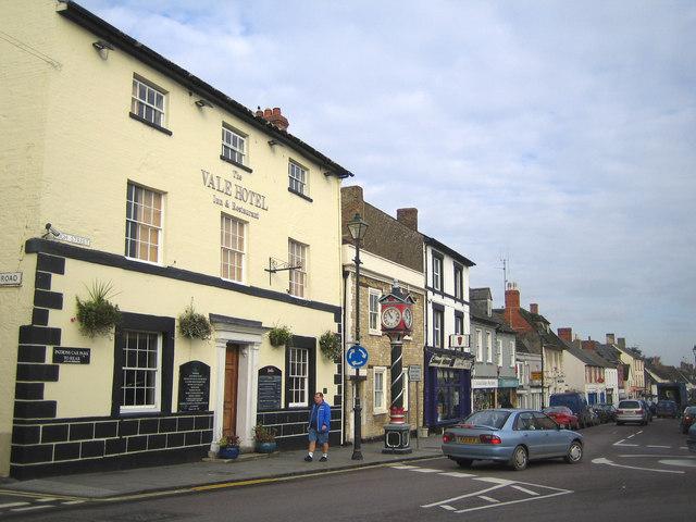Cricklade: High Street