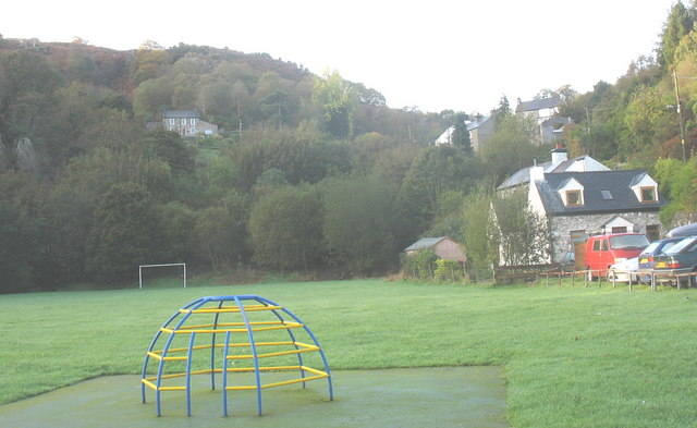 The Playing Field, Cwm-y-glo