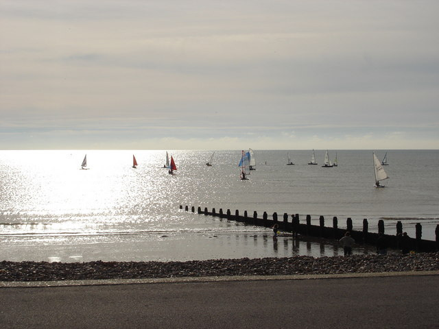 Autumn sailing at Felpham (2)